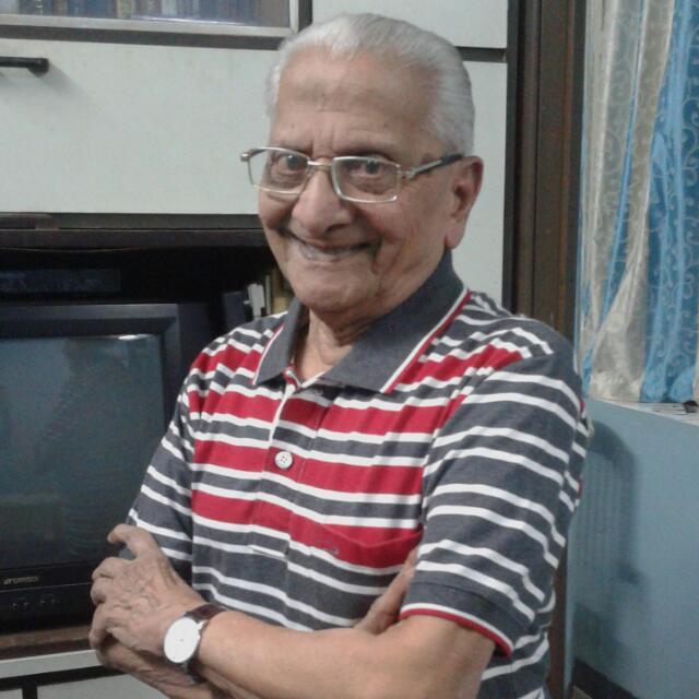Vidyadhar Karmarkar, the oldest living Indian model at 90.