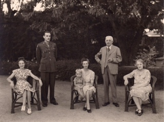 Gardiner's parents with her grandmother Hilda, brother Wayne (centre) and her great grand parents