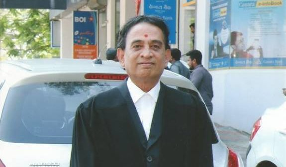 Second Innings Stories: How A Banker Became A Lawyer After Retirement