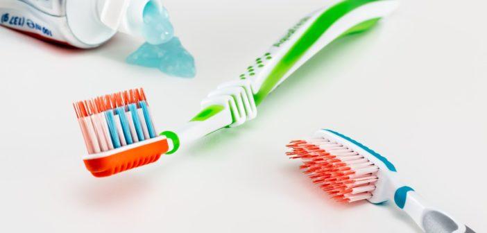 Healthy Oral Hygiene Hacks Every Older Adult Must Know